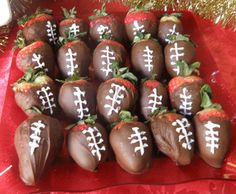 Super Bowl Strawberries - Kick off the game with these chocolate-covered strawberries!  Tag: Super Bowl Recipes for Kids, Super Bowl Treats, Easy Super Bowl Recipes