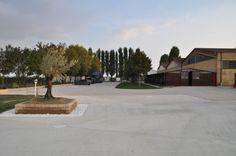 Parcheggio e giardino - riqualificazione maneggio