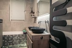 Betegelde badkamer met Natural Clay   Creative Minds International