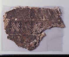 Textile fragment from Oseberg (Kulturhistorisk Museum). Viking Garb, Viking Reenactment, Viking Dress, Viking Ship, Ancient Vikings, Norse Vikings, Norse Clothing, Norse People, Viking Embroidery