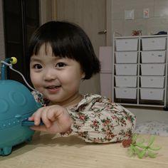 Asian Kids, Cute Babies, Memes, Sticker, Sweet, Korean Babies, Cute, Toddler Girls, Cute Asian Babies
