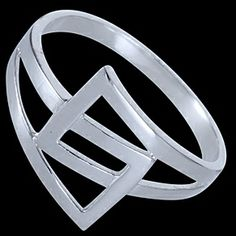 Silver ring, belt design Silver ring, Ag 925/1000 - sterling silver. A simple belt design. A mid-sized ring.