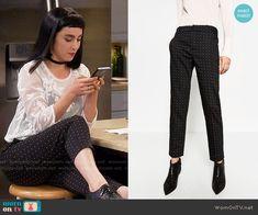 Zara Mid-Rise Skinny Trousers worn by  Molly Ephraim on Last Man Standing