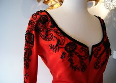 nice neckline and red-black combo
