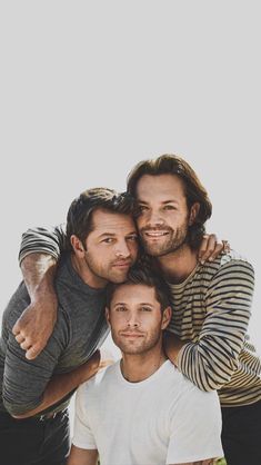 The boys released a new photoshoot they did heres the best pic from it Supernatural Fans, Supernatural Pictures, Supernatural Wallpaper Iphone, Jensen Ackles, Jensen And Misha, Jared Padalecki, Misha Collins, Winchester Boys, Winchester Brothers