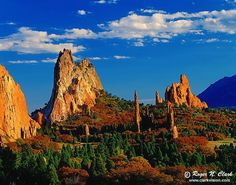 156714_l  http://www.weddingmapper.com/plan/vendor/co/colorado_springs/attractions_entertainment/garden_of_the_gods/82425?geocoded=g