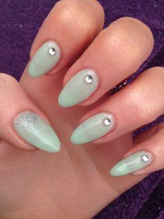 Shellac mint convertible nails