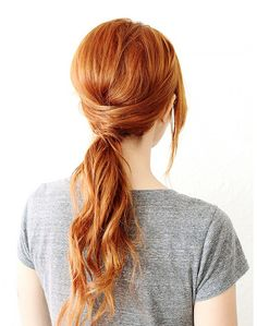 Spend more time focusing on the things that really matter this holiday season by doing these blissfully simple hairstyles that only take five minutes.