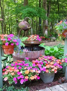 Need DIY garden projects and ideas to decorate your home outdoor? Find 101 DIY garden projects made with recycled materiel to upgrade your garden at no cost. Beautiful Gardens, Beautiful Flowers, Beautiful Gorgeous, Simply Beautiful, Beautiful Homes, Jardin Decor, Garden Fountains, Water Fountains, Outdoor Fountains