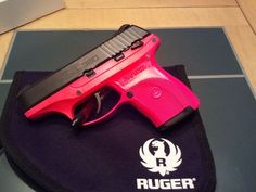 The hot pink Ruger is a great conceal carry firearm for the ladies out there! As large as the but without as much recoil, it is a fantastic firearm with a personalized touch! Pistol For Women, Handgun For Women, Hidden Gun Storage, Pistol Annies, Military Guns, Fire Powers, Cool Guns, Girls Be Like, Girls Dream