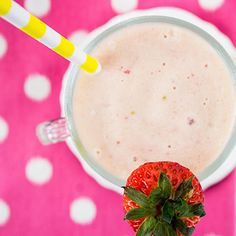 Strawberry Pineapple Protein Smoothie  1 small banana ½ cup sliced strawberries, fresh or frozen ½ cup chopped pineapple, fresh or frozen 1 scoop vanilla protein powder ½ cup reduced-sugar orange juice ½ cup water ½ cup ice if using fresh fruit