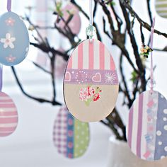 Handmade Easter Tree Decorations Offer Stunning Alternatives to Commercial Easter Ideas Easter Tree Decorations, Handmade Christmas Decorations, Holiday Crafts, Easter Egg Crafts, Easter Eggs, Paper Crafts For Kids, Diy For Kids, Magazine Deco, Boutique Deco