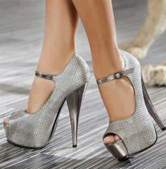silver metallic stiletto high heels pumps women shoes fashion www. Hot Shoes, Crazy Shoes, Me Too Shoes, Women's Shoes, Shoe Boots, Platform Shoes, Shoes 2016, Stilettos, Stiletto Heels