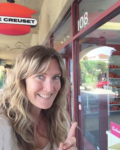 Le Creuset outlet on the way to #palmsprings  Oh YES. #lecreuset