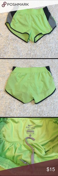 Nike Jogging Shorts Size S, no flaws. Drawstring and liner attached. Feel free to ask any questions! Nike Shorts