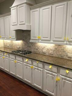 16 best backsplashes with white cabinets images washroom new rh pinterest com