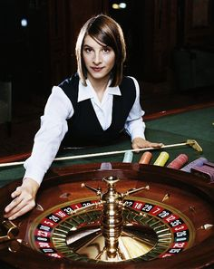 Online casino games are now advanced in a way to provide good graphics are sounds to build a real casino environment for the player.