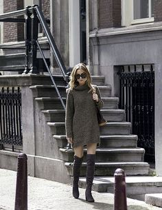 Love it all boots and sweater dress heaven Pull Kaki, Essentiels Mode, Fashion Boots, Fashion Outfits, Fall Chic, Fashion Essentials, Mode Style, Over The Knee Boots, Fashion News