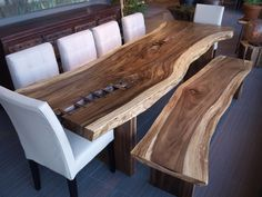 A beautiful wood table for the living room moeshome for Table de cuisine en bois