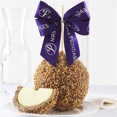 Find the perfect hostess gift or dessert with a gourmet caramel apple. Buy a Milk Chocolate Toffee Walnut Caramel Apple Gift at Mrs Prindables.