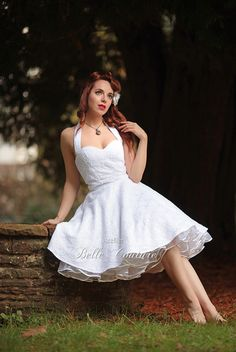 """Schlichtes Brautkleid """"Estelle"""" im 50er Jahre Stil von Atelier Belle Couture 50er Jahre Petticoatkleider Rockabilly Kleider auf DaWanda.com"""