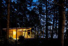 Weekend Cabin: Gulf Islands, British Columbia