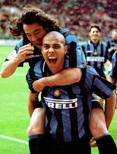 Paulo Sousa + Ronaldo (Inter).