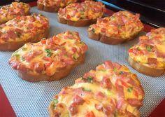 Sandvișuri calde delicioase, gata într-un timp record! Baby Food Recipes, Snack Recipes, Cooking Recipes, Helathy Food, Good Food, Yummy Food, Romanian Food, Food Tasting, Savory Snacks