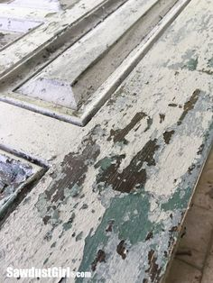Chippy Paint Technique on Studio Barn Door - Sawdust Girl® How to Create the Most Authentic Chippy Paint Finish - excellent tutorial + video shows how to get this awesome finish using layers of paint and wax. This is an amazing finish! - via Sawdust Girl Crackle Painting, Diy Painting, Faux Painting, Painting Lessons, Painting Tutorials, Shabby Chic Furniture, Diy Furniture, Paint Techniques Furniture, Milk Paint Furniture
