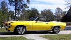 1969 Chevrolet Camaro RSSS Convertible yellow w/black stripes