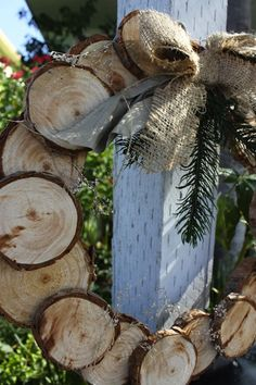 #Birch #Wood #Wreath I'm so doing this project! I have a whole stack of wood discs that my husband cut for me last spring when he cut down a dead tree in our yard. Now I know what to do with them!