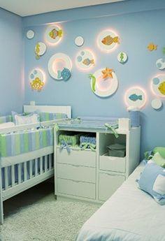 """Quarto em azul e verde - para meninos - e com tema """"Mar"""". Adorava saber como se fazem aqueles pontos de luz!"""