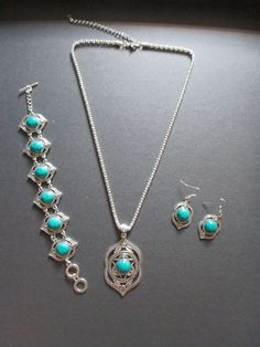 Necklace, bracelet and earrings set Green NEW – UK Seller – Vintage, Retro