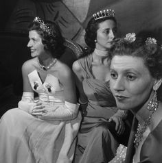 On the right side, princess Armand of Arenberg wears diamond flowers very similar to the roses de haies from the french crown jewels i sent an email to Robert Doisneau's daughter, she answered me the picture was taken at the count of Beaumont ball in 1950. The ladies are from left to right : Princess Charles de Ligne, Madame Bertrand de la Haye Jousselin and Princess Armand d'Aremberg | Royal Jewels of the World Message Board: Arthur&Lorenzo #princesscharlesdeligne #princess #deligne #ligne…