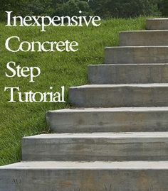 Inexpensive DIY Concrete Steps- Tutorial : This is a great way to save a ton of money on what would otherwise be very expensive steps - Tutorial Concrete Steps, Concrete Projects, Backyard Projects, Outdoor Projects, Garden Projects, Diy Concrete, Concrete Forms, Precast Concrete, Jardin Decor