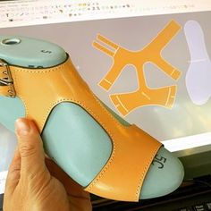 Pattern making class - the last in the summer. This meant to be explaining pivoting and crimping. Doll Shoe Patterns, Baby Shoes Pattern, Make Your Own Shoes, How To Make Shoes, Leather Sandals, Leather Boots, Mens Slide Sandals, Shoe Template, Fashion Sandals