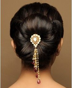 Wedding Hair Accessories Bridal Hairstyles for Indians - When it comes to wedding day hair, there is such a wide variety of options that one tends to get overwhelmed. 40 Indian Bridal Hairstyles are here to help you Indian Bun Hairstyles, Natural Hair Styles, Long Hair Styles, Hair Ornaments, Bridal Hair Accessories, Up Girl, Hair Jewelry, Jewellery, Hair Pins