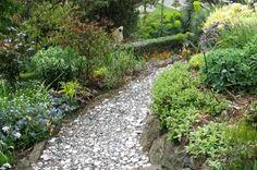 gravel-garden-path-design-ideas-garden-design-and-decoration-174567.jpg 800×530 pixels