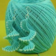 Crochet jewelry 316659417543724619 - How to: Macrame Spiral Earrings Source by grigoriadoua Macrame Bracelet Patterns, Crochet Earrings Pattern, Crochet Jewelry Patterns, Macrame Earrings, Macrame Patterns, Crochet Accessories, Diy Earrings, Crochet Necklace, Quilling Earrings