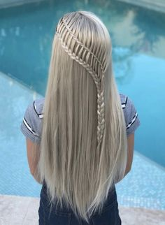 Braids are one of the most popular hairstyles of the decade, but do you know what all the different types of braids are? Find out now. different hair styles 12 Different Types of Braids You Should Totally Try (Tutorials Included) Party Hairstyles For Long Hair, Box Braids Hairstyles, Pretty Hairstyles, Blonde Hairstyles, Layered Hairstyles, Casual Hairstyles, Long Braided Hairstyles, Teenage Hairstyles, Ethnic Hairstyles