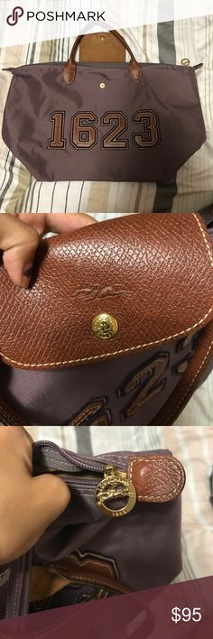 Shop Women's Longchamp Purple Brown size OS Shoulder Bags at a discounted price at Poshmark. Price is negotiable. Longchamp, New York Fashion, London Fashion, Runway Fashion, Designer Handbags, Designer Purses, Street Style Women, Street Styles, Medium Bags