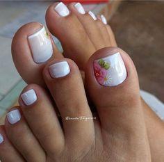 17 Ideas french pedicure designs toenails pretty toes for 2019 Pedicure Nail Art, Pedicure Colors, Flower Pedicure, White Pedicure, Manicure Ideas, French Pedicure Designs, Toe Nail Designs, French Tip Pedicure, Summer Pedicure Designs