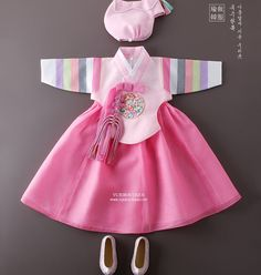 Korean Traditional Dress, Traditional Fashion, Traditional Dresses, Korea Fashion, Kids Fashion, Smocked Baby Dresses, Dress Anak, Modern Hanbok, Sewing Kids Clothes