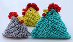 Hilde haakt: Kip haken, gratis patroon, Nederlands, sleutelhanger, bungel, in groter formaat zou het een leuke knuffel zijn.