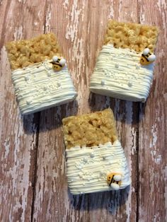 12 White Chocolate Covered Bee and Pearl Rice Crispy Krispie Treats perfect for bee. garden, or summer themed parties birthday party favors