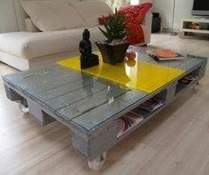 #Déco: 1 palette, 4 roulettes, 1 vitre, de la peinture...et voilà une #table table !