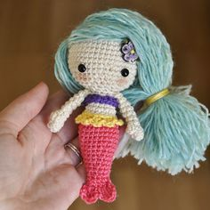 Mermaid This crochet pattern / tutorial is available for free... Full Post: Mermaid
