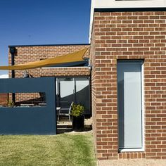 Nightingale project by Burbank Homes using Escura Fusion bricks - Blue Rio (with Horizon Mocha) - Boral