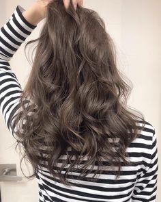ロイヤルグレージュ ⚠️3月後半と4月出勤日数が少なくなっております♂️⚠️ お早めにご予約ください #shima#ロイヤルグレージュ Permed Hairstyles, Cool Hairstyles, Medium Hair Styles, Curly Hair Styles, Korean Hair Color, Best Hair Dye, Creative Hair Color, Hair Arrange, Hair Images