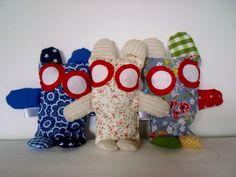 Knuffeltjes gemaakt van Katoen, met rinkelbelletje.